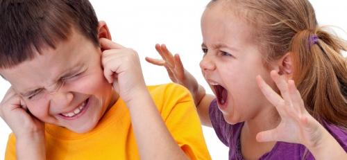 Πως να διαχειριστούν οι γονείς τις επιθετικές συμπεριφορές των παιδιών.