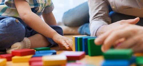 «Μένουμε σπίτι». 9 δραστηριότητες για εσάς και τα παιδιά.